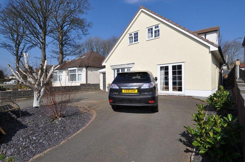 4 Bedrooms Detached House for sale in South Road, Sully, Penarth CF64 5SN