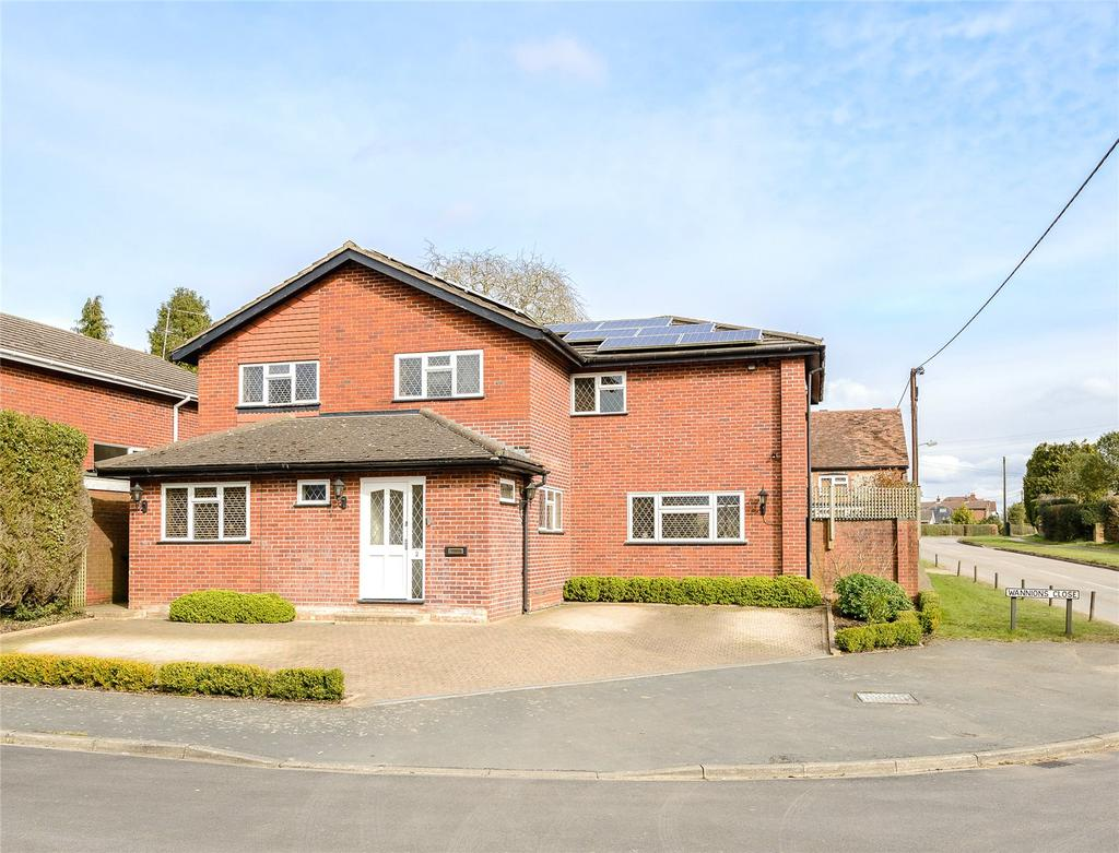 5 Bedrooms Detached House for sale in Wannions Close, Ley Hill, Buckinghamshire, HP5