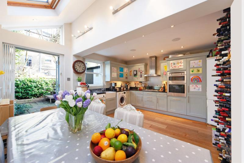 4 Bedrooms Terraced House for sale in Godolphin Road, London, W12
