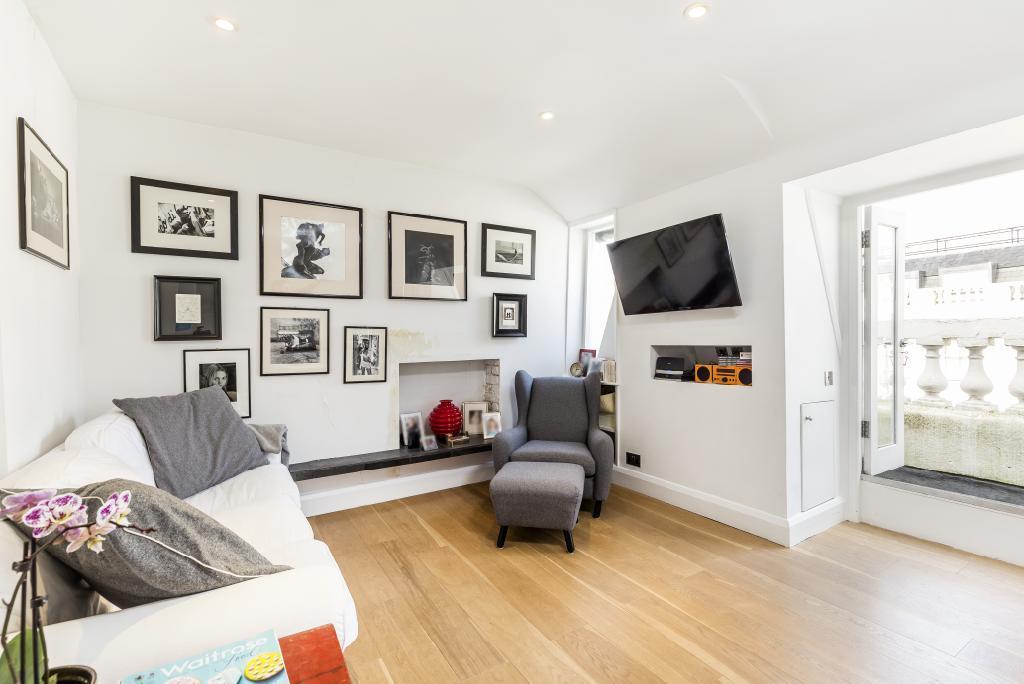 3 Bedrooms Flat for sale in Gloucester Terrace, London, W2