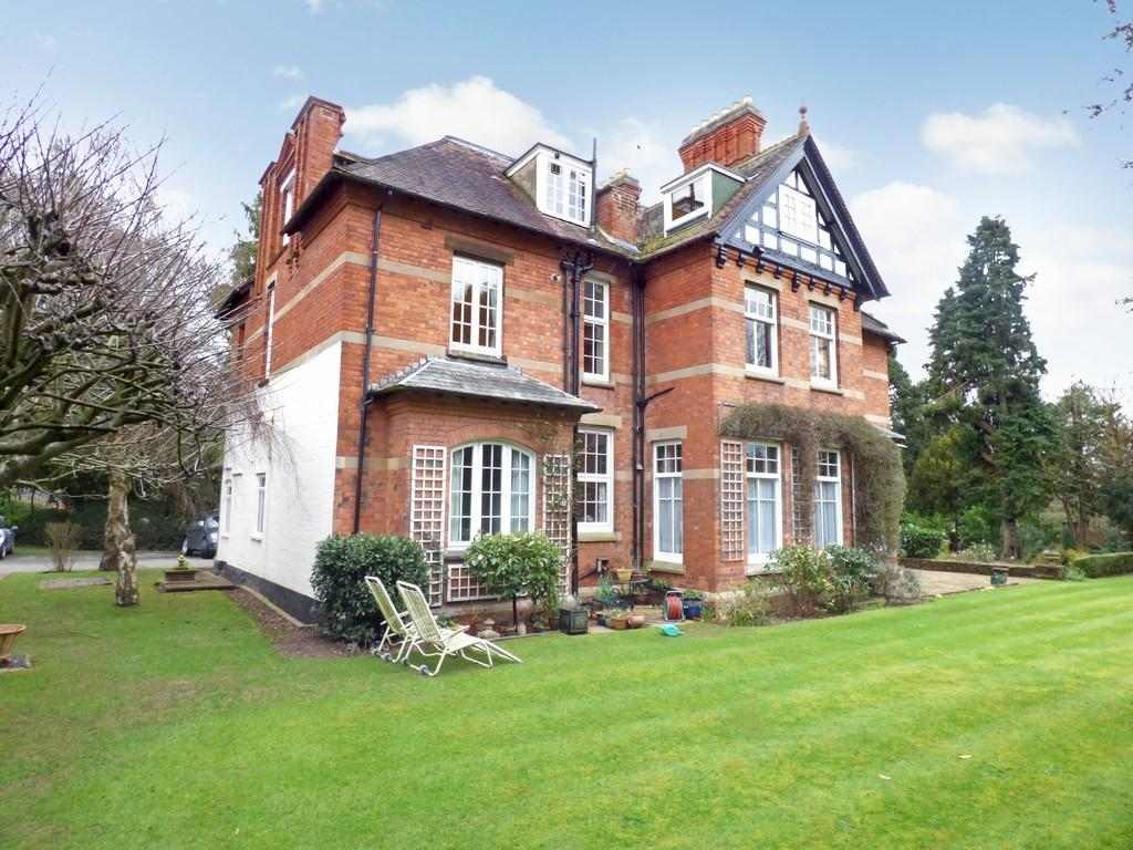 2 Bedrooms Apartment Flat for sale in Welcombe Road, Stratford-Upon-Avon