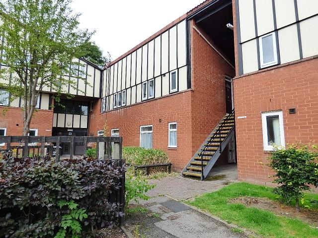 2 Bedrooms Flat for sale in Redshank Lane, Birchwood, Warrington