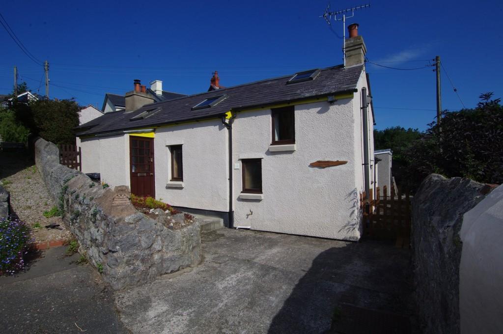 2 Bedrooms Cottage House for sale in Pen Y Parc Terrace, Penrhynside