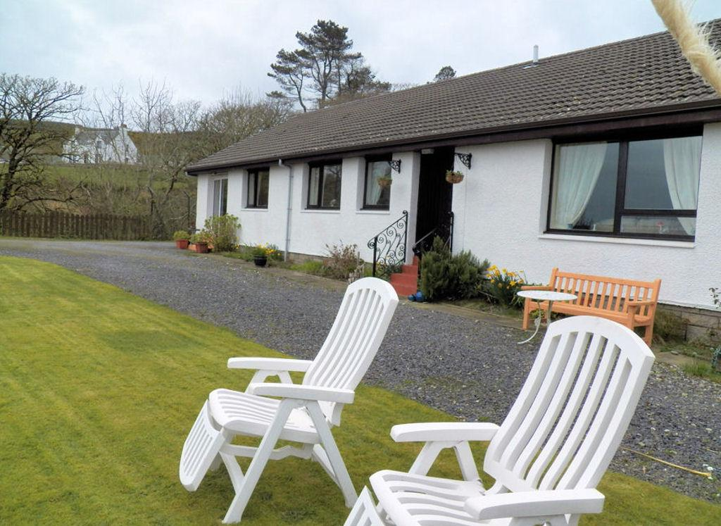 4 Bedrooms Detached Bungalow for sale in Glen Ailsa, Ballochgair, Campbeltown, PA28 6QR