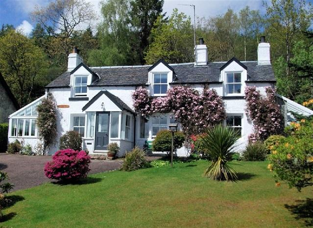 3 Bedrooms Detached House for sale in Old Schoolhouse, Cumlodden, Furnace, By Inveraray, PA28 6XU.