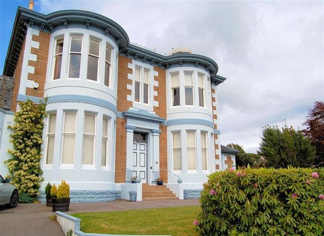 3 Bedrooms Villa House for sale in Ground Floor, Airdaluinn, High Askomil, Campbeltown, PA28 6EN