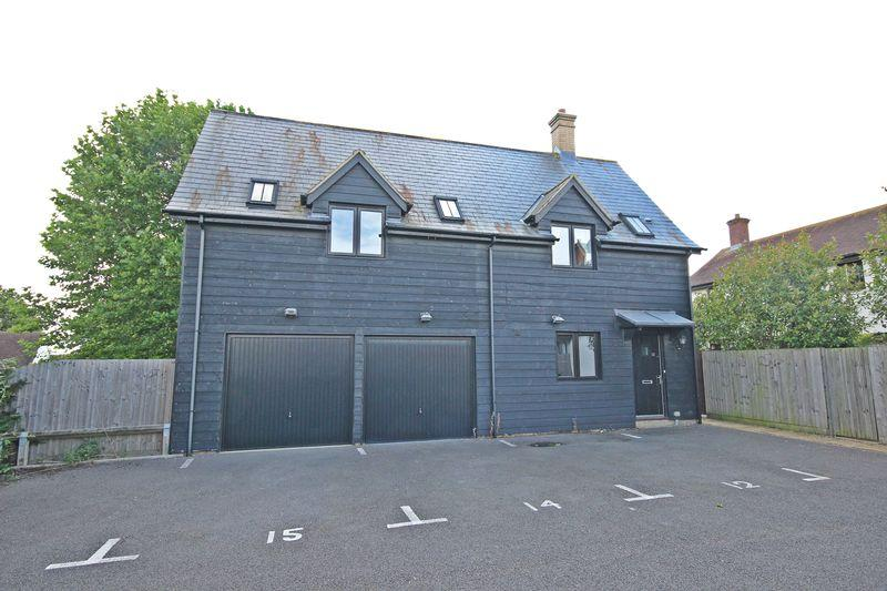 2 Bedrooms Detached House for sale in Cherry Blossom Close, Silsoe