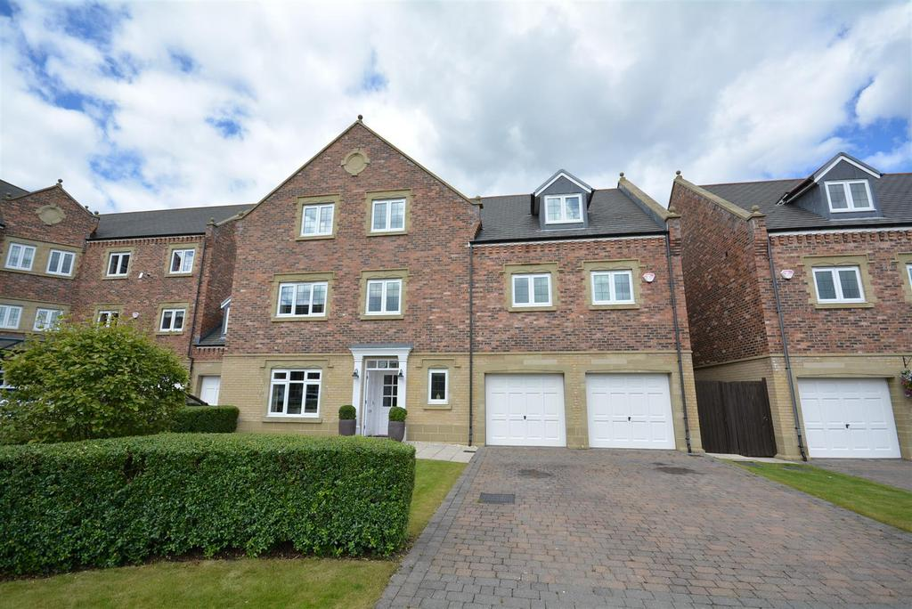 6 Bedrooms Detached House for sale in The Square, Sunderland