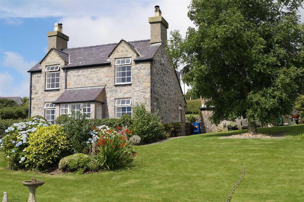 2 Bedrooms Detached House for sale in Llithfaen