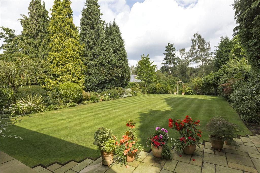 6 Bedrooms Detached House for sale in Sandy Way, Cobham, Surrey, KT11