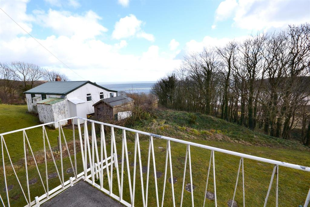 2 Bedrooms Apartment Flat for sale in Devon Court, Freshwater East, Pembroke