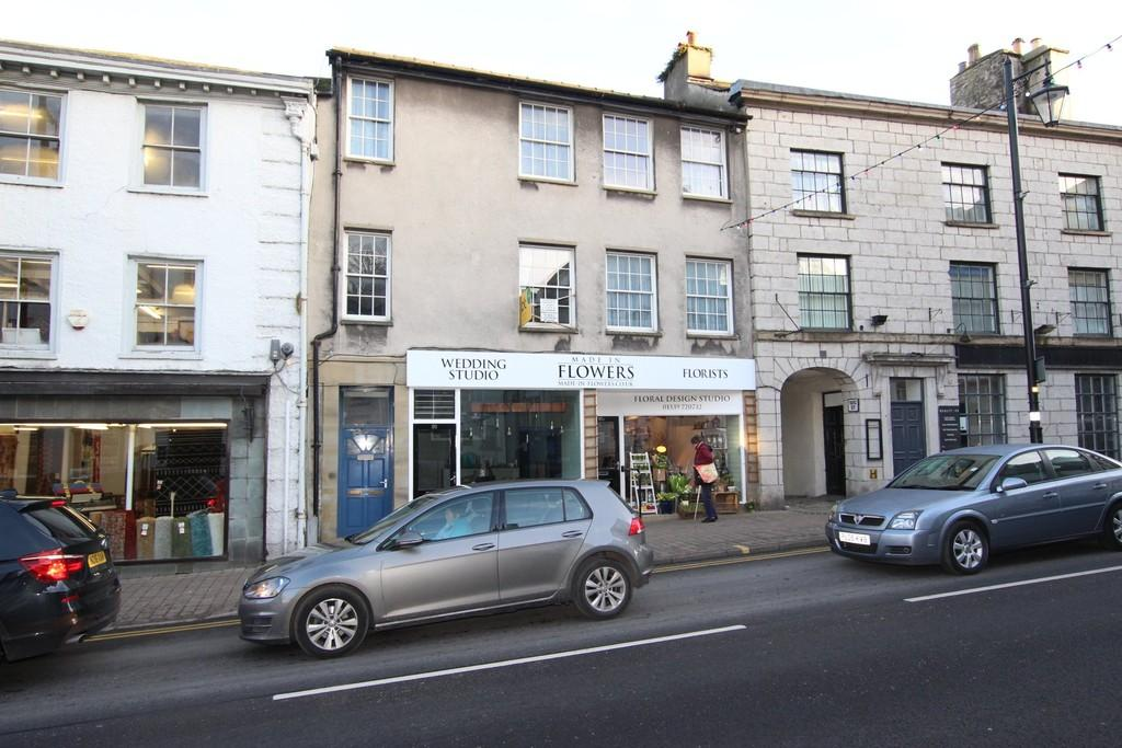 2 Bedrooms Apartment Flat for sale in 95 95a Highgate, Kendal