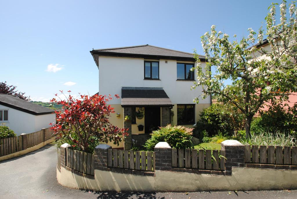 3 Bedrooms Detached House for sale in Norman Cottages, Plestin Close
