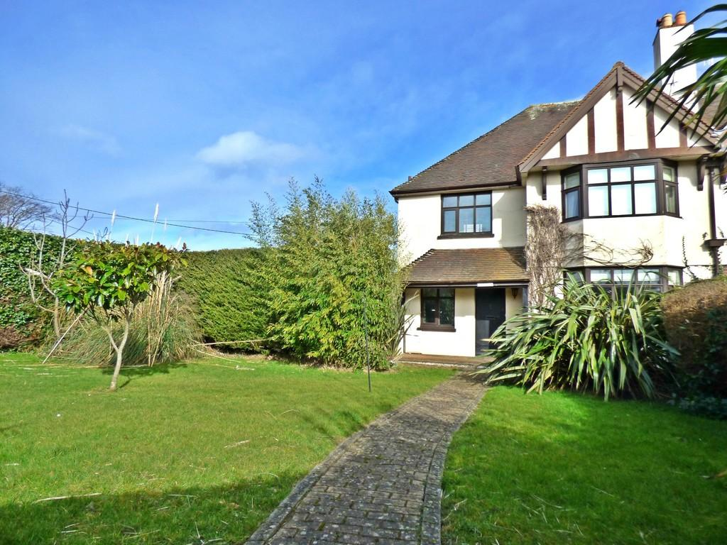 4 Bedrooms Semi Detached House for sale in Bembridge, Isle Of Wight