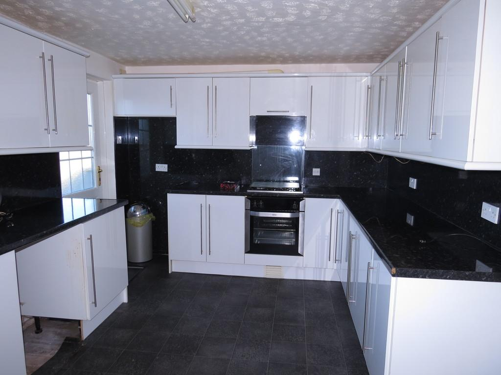 3 Bedrooms Terraced House for sale in Criffel Road, Parton, Whitehaven, Cumbria