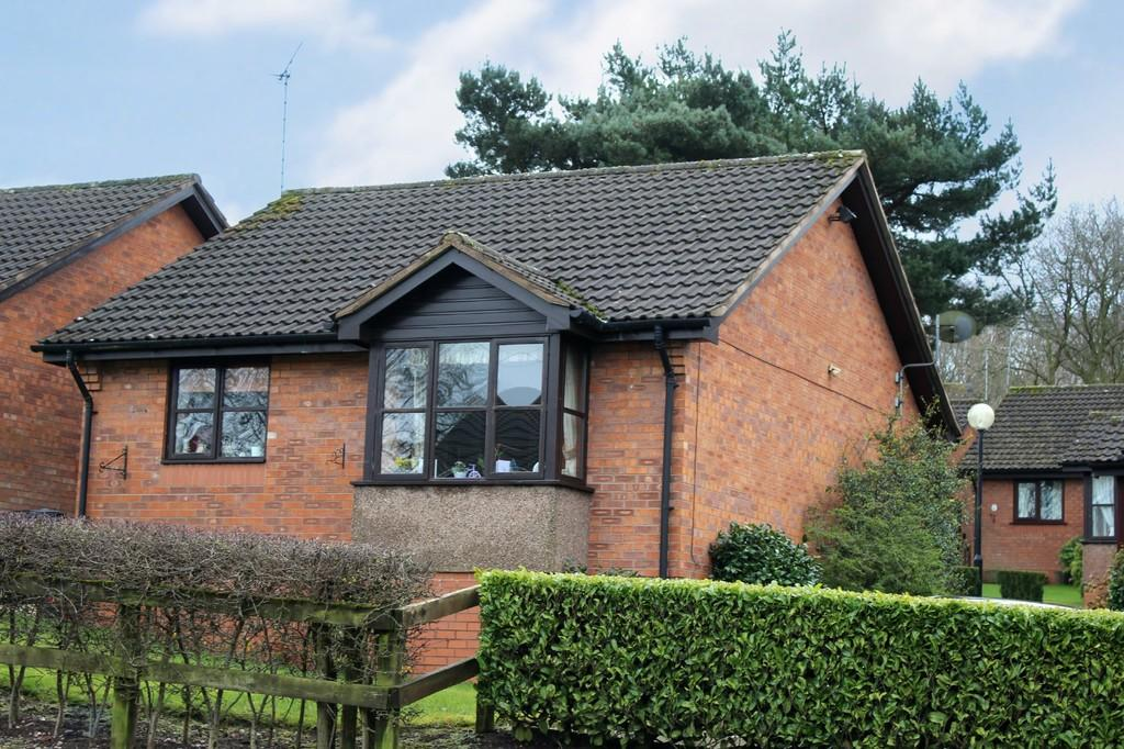 2 Bedrooms Detached Bungalow for sale in Pine Court, Loggerheads, Staffordshire