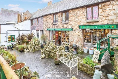 Shop to rent - Vale Street, Denbigh