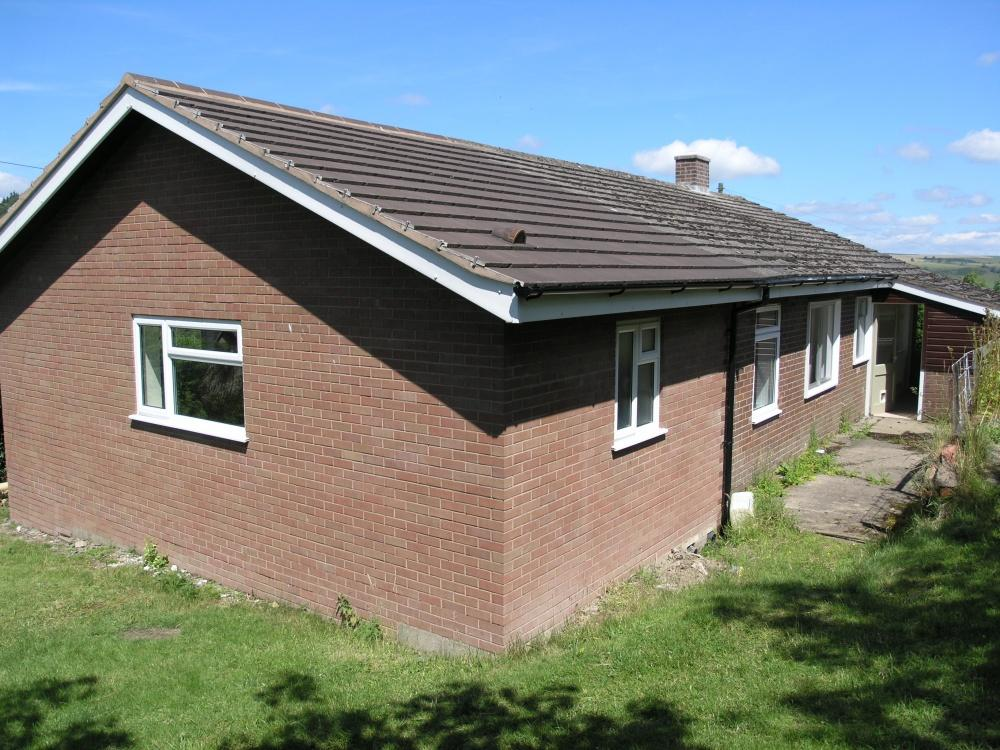 4 Bedrooms Bungalow for sale in Llanbister Road, Llandrindod Wells, LD1