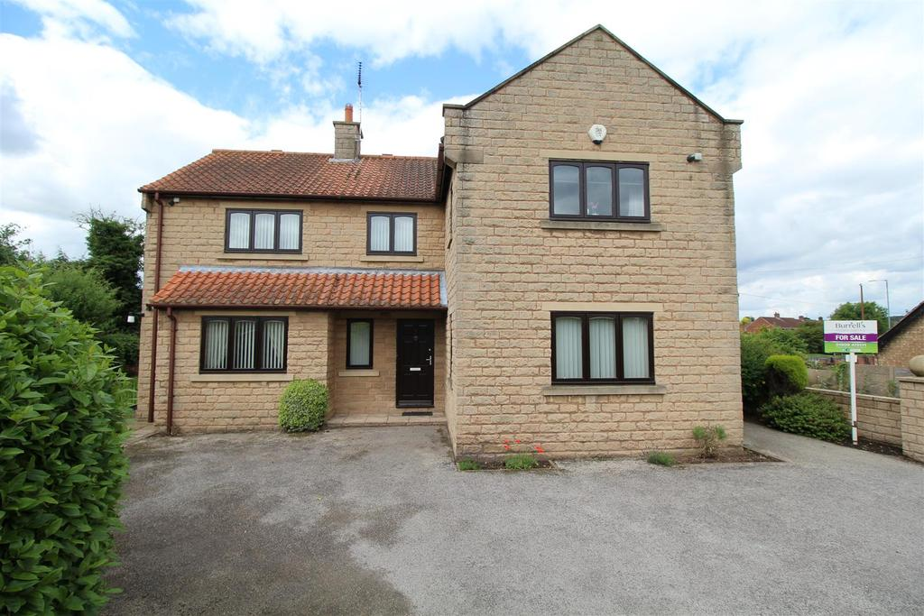 4 Bedrooms Detached House for sale in Granary Court, Carlton-In-Lindrick, Worksop