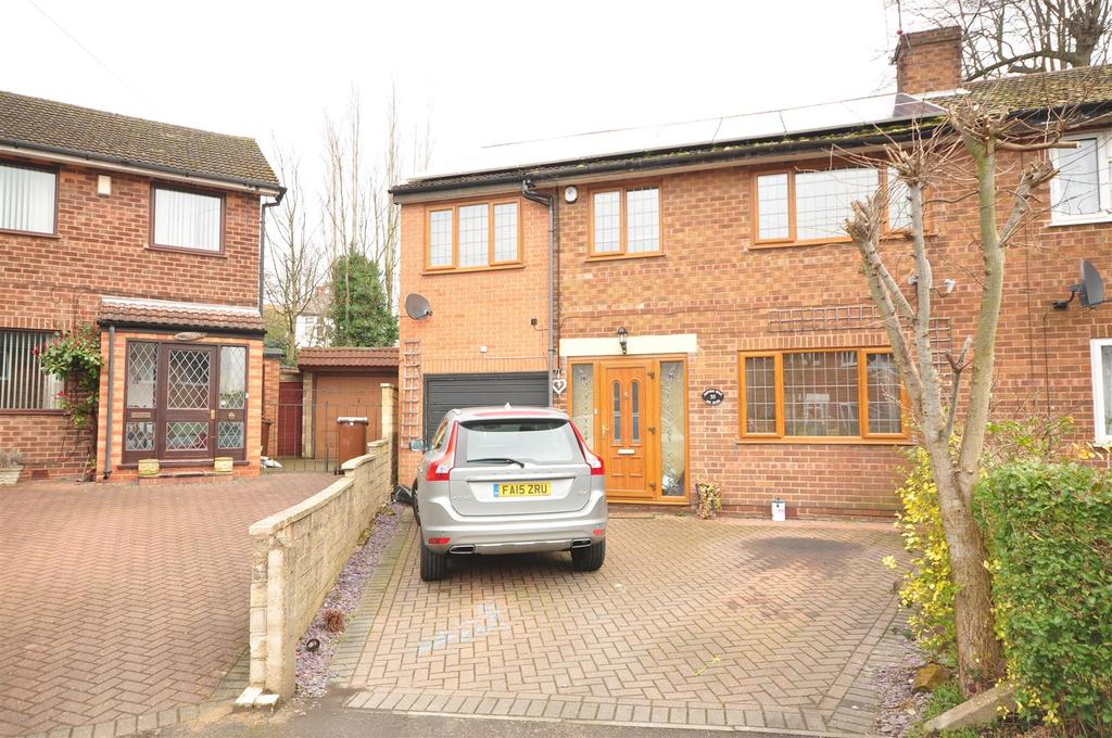 5 Bedrooms Semi Detached House for sale in Rufford Road, Sherwood, Nottingham, NG5 2NQ
