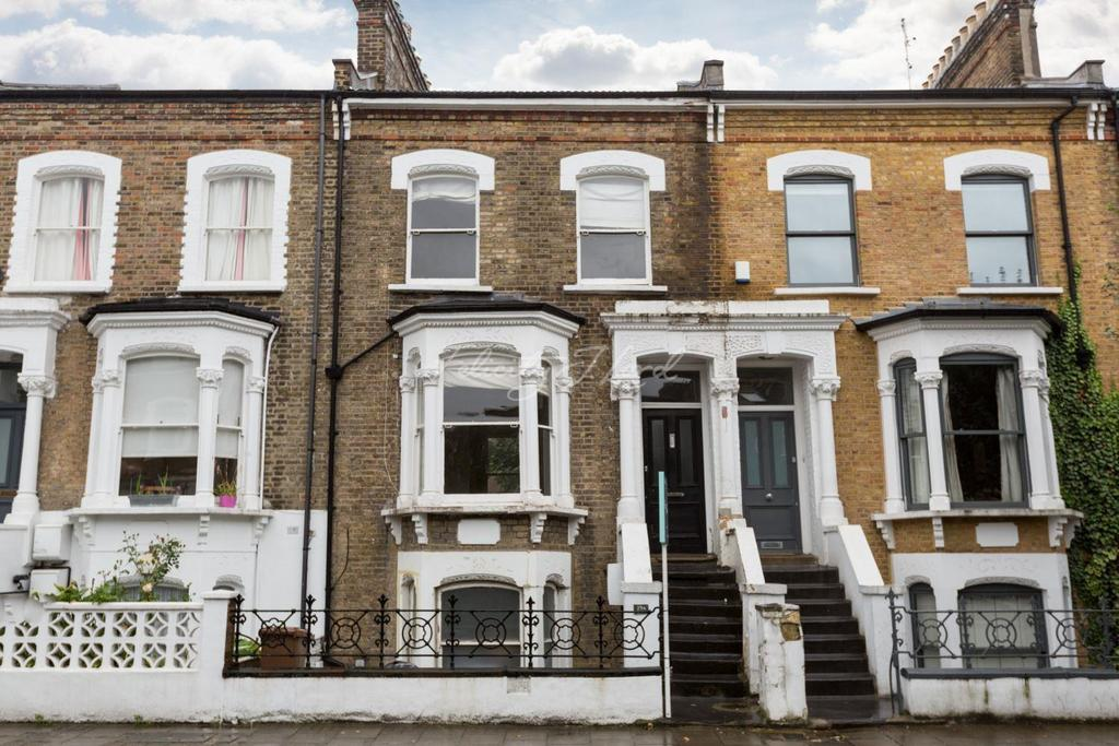 2 Bedrooms Maisonette Flat for sale in Dynevor Road, N16