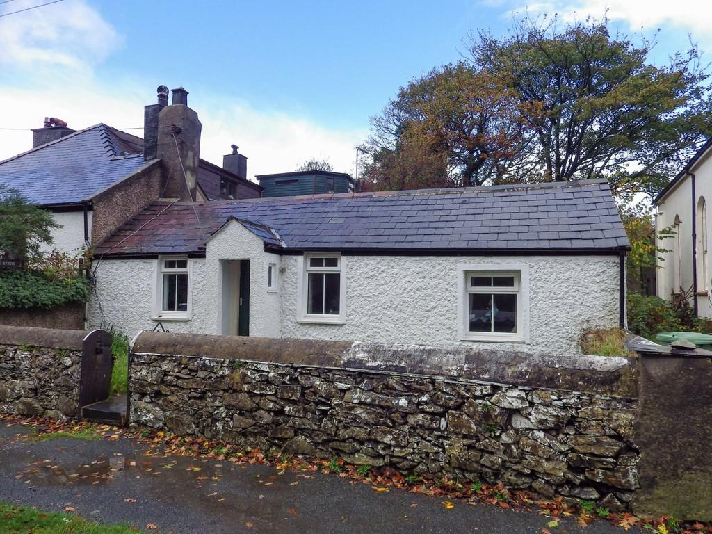 2 Bedrooms Cottage House for sale in Pentre Castell, Llanberis, North Wales