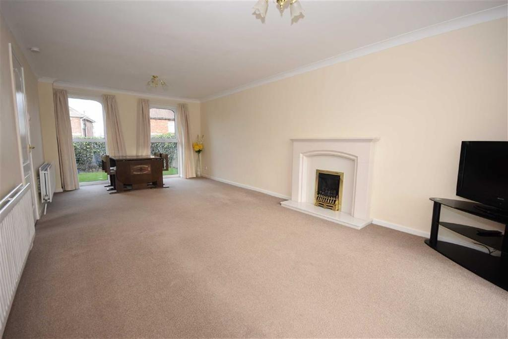 4 Bedrooms Detached House for sale in Braemar Drive, South Shields