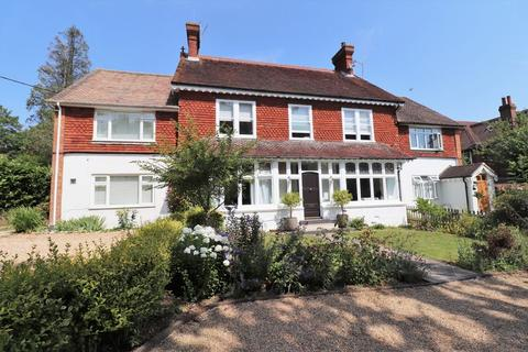 2 bedroom flat for sale - Silverdale Road, Burgess Hill, West Sussex