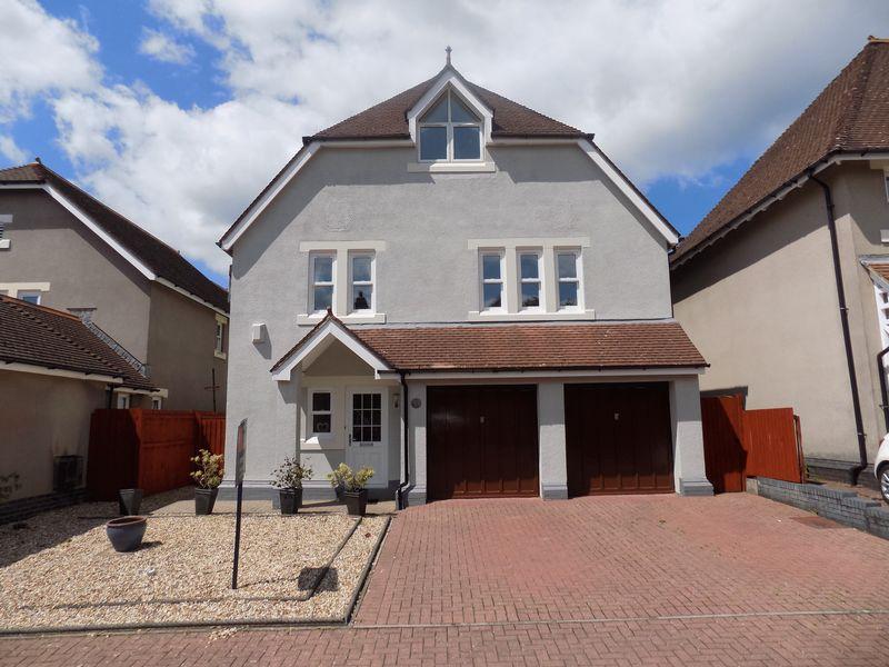 5 Bedrooms Detached House for sale in 23 Preswylfa Court, Merthyr Mawr Road, Bridgend CF31 3NX