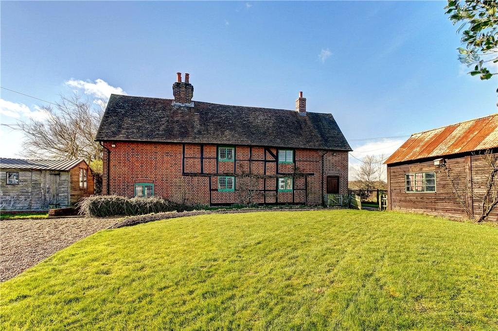 4 Bedrooms Detached House for sale in Wolverton, Tadley, Hampshire, RG26