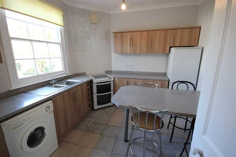 3 bedroom apartment to rent - Hampton Place, Brighton