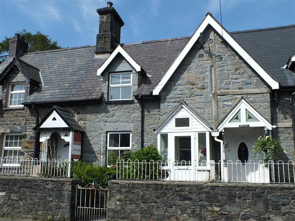 3 Bedrooms Cottage House for sale in 1 Bryn Tirion, Llanrwst