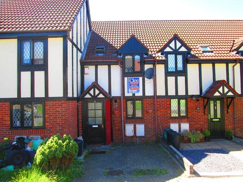 2 Bedrooms Terraced House for sale in Beaufort Court, Cadle, Swansea, City County of Swansea.