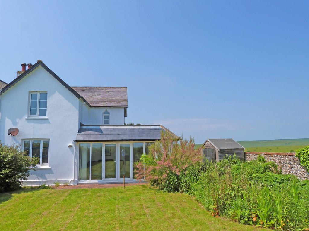 3 Bedrooms Semi Detached House for sale in Alfriston Road, Seaford, East Sussex, BN25