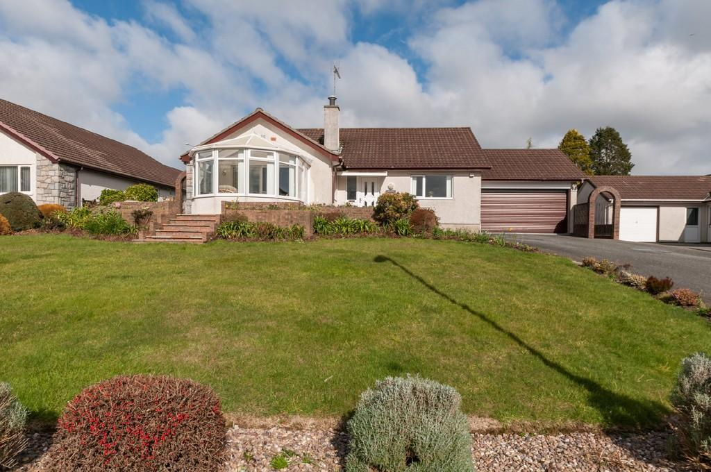 4 Bedrooms Detached Bungalow for sale in Ty Mawr, Menai Bridge, Isle of Anglesey