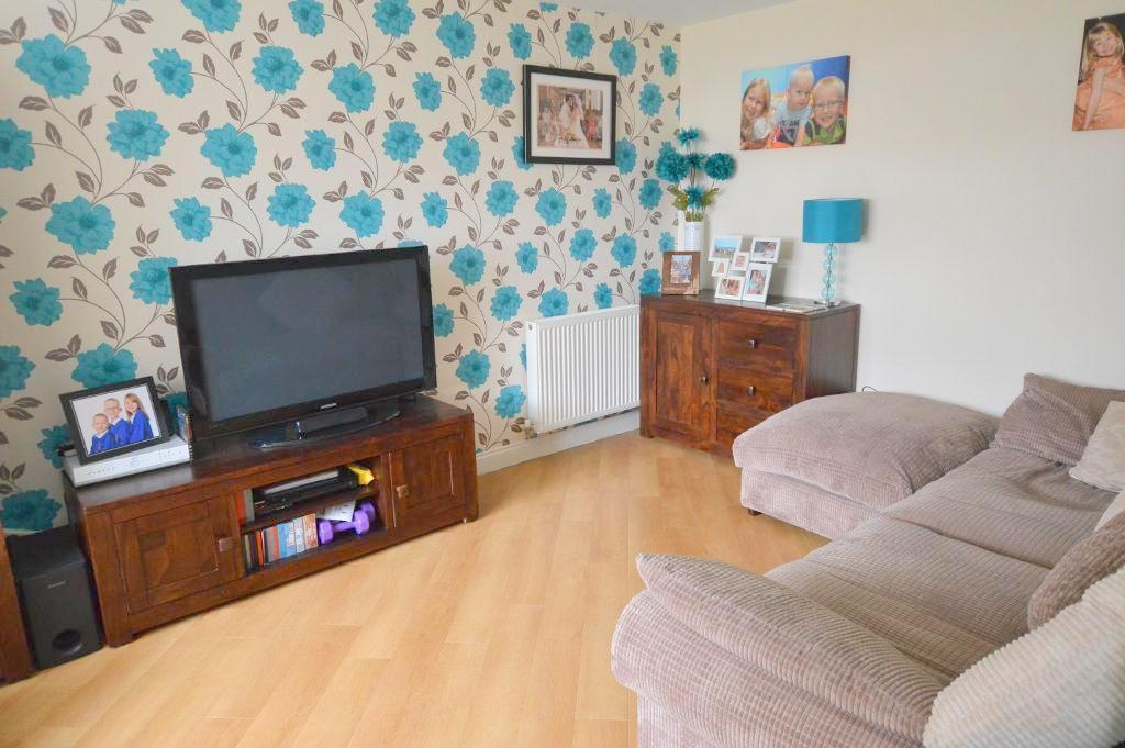 4 Bedrooms Semi Detached House for sale in Swifts Green Road, Putteridge, Luton, Bedfordshire, LU2 8BW