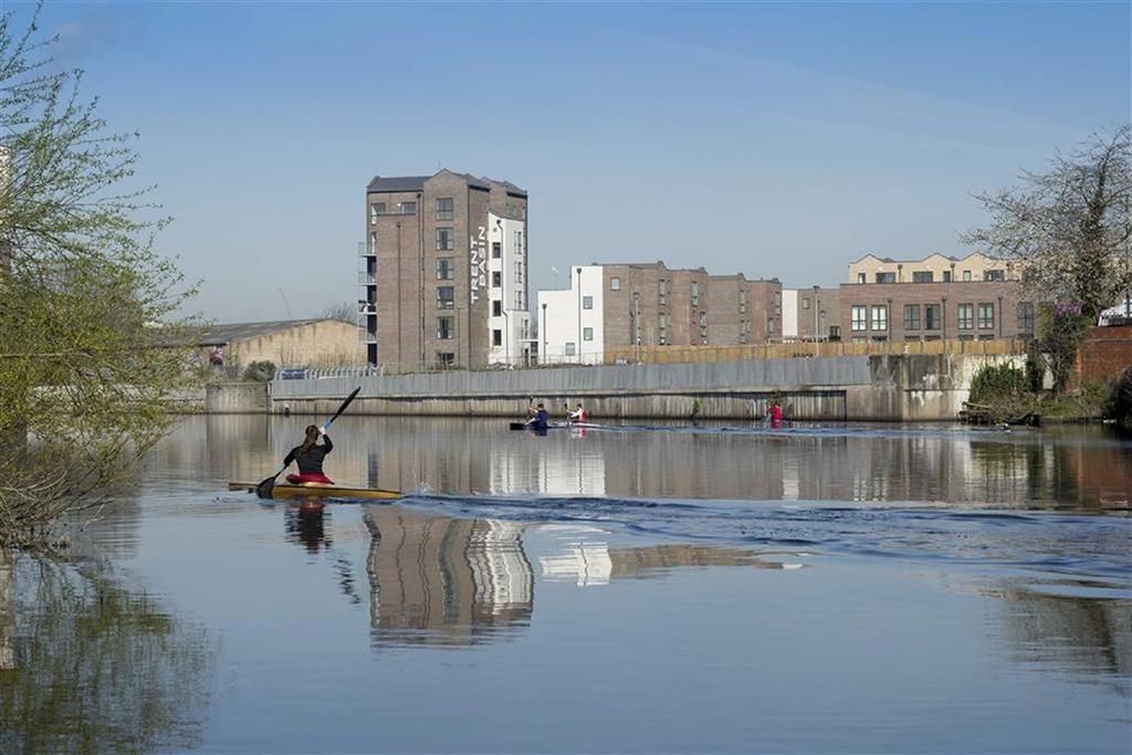 2 Bedrooms Apartment Flat for sale in Portside Street, Nottingham