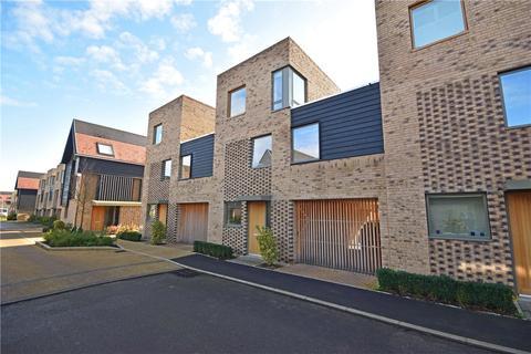 4 bedroom terraced house to rent - Royal Way, Trumpington, Cambridge, Cambridgeshire, CB2