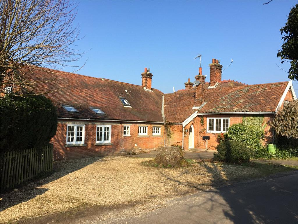 4 Bedrooms Semi Detached House for sale in Harkstead, Ipswich, Suffolk, IP9