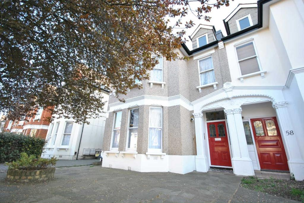 2 Bedrooms Flat for sale in Culverley Road Catford SE6