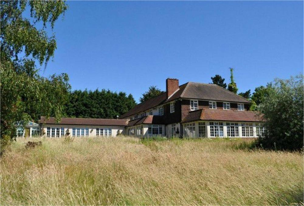 6 Bedrooms Detached House for sale in Main Road, Rettendon Common, CHELMSFORD, Essex