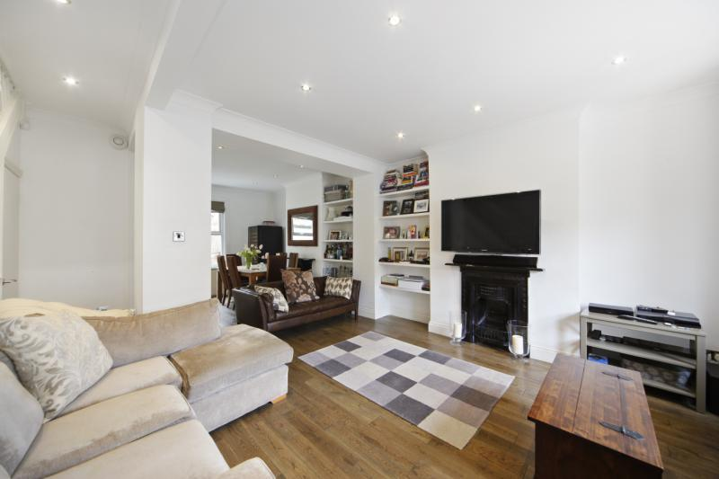 3 Bedrooms House for sale in Adelaide Grove, London, W12