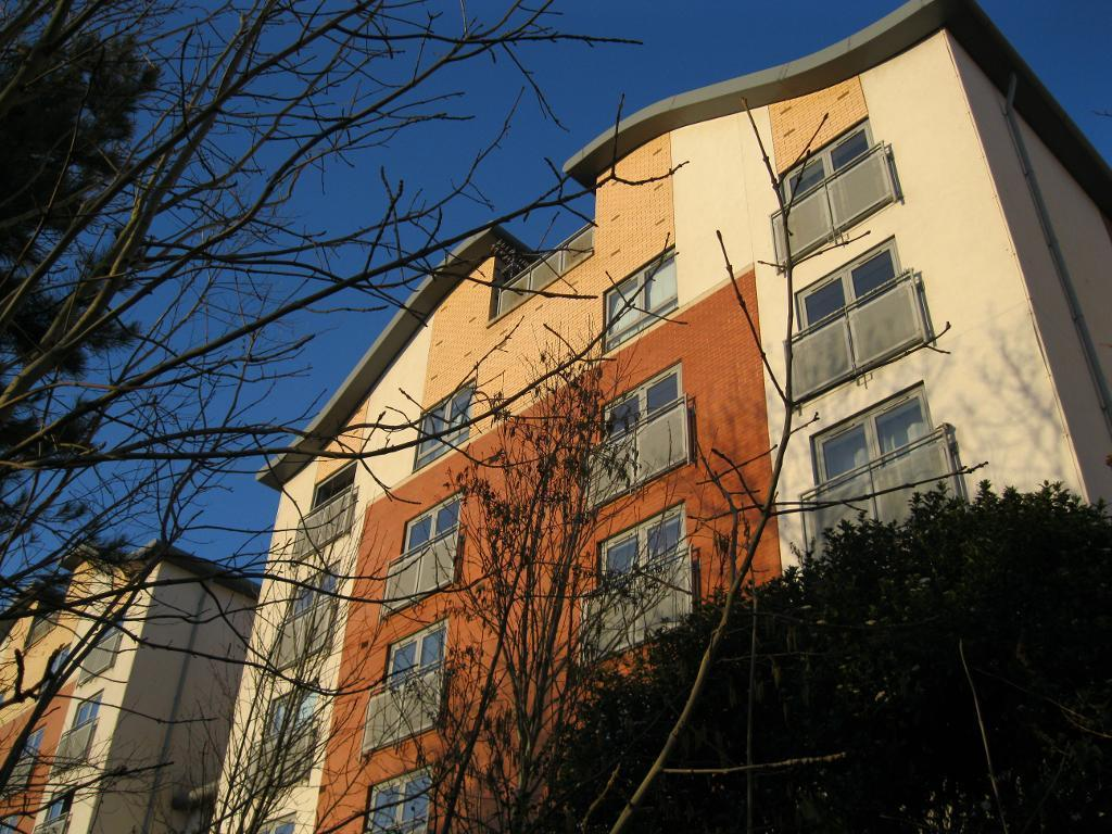 2 Bedrooms Apartment Flat for sale in Ouseburn Wharf, Newcastle upon Tyne, NE6 1BY