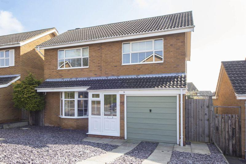 4 Bedrooms Detached House for sale in Dugdale Avenue, Stratford-Upon-Avon