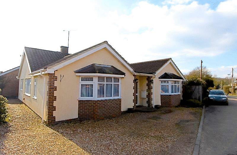 4 Bedrooms Bungalow for sale in Folly Lane, Caddington