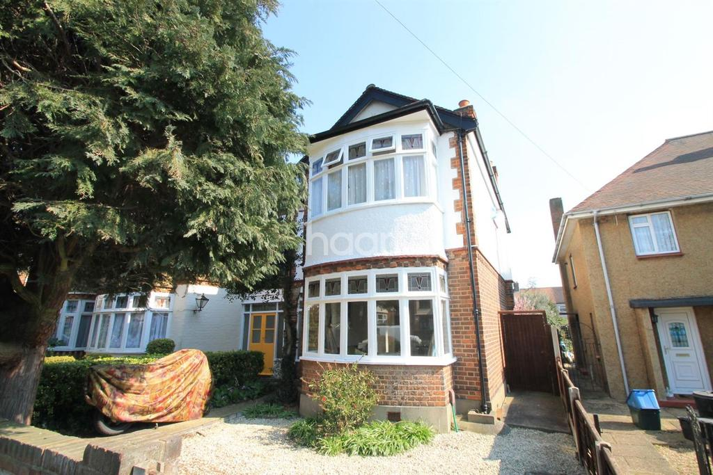 3 Bedrooms End Of Terrace House for sale in Spearpoint Gardens, Newbury Park