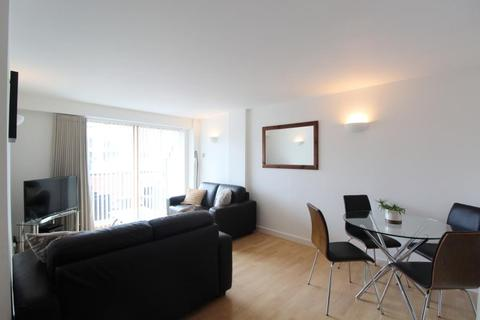 2 bedroom apartment to rent - THE QUAYS, CONCORDIA STREET, LEEDS, LS1 4ES