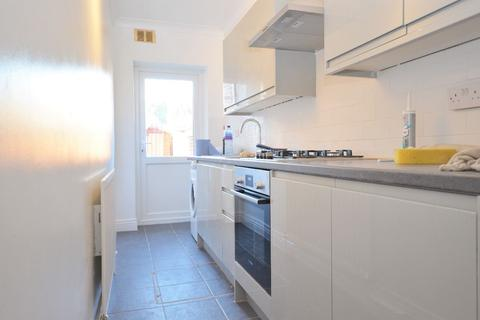 2 bedroom flat to rent - East Acton Lane, Acton Central
