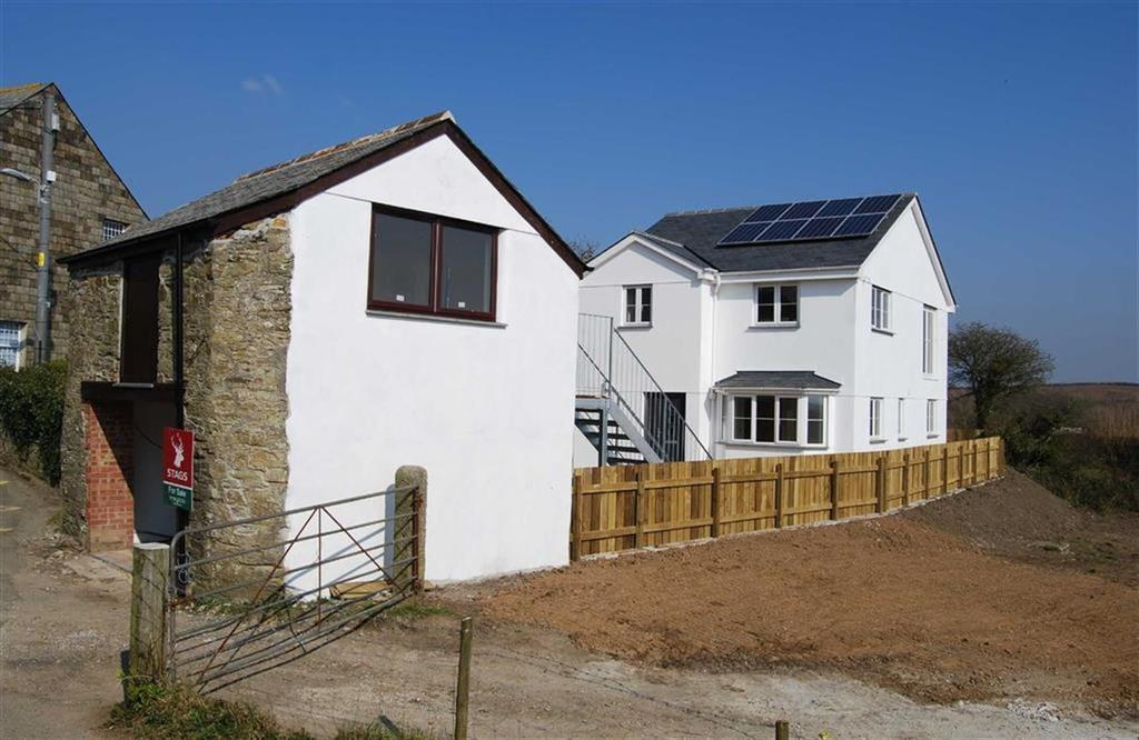 4 Bedrooms Detached House for sale in Wadebridge Road, St Mabyn, Cornwall, PL30