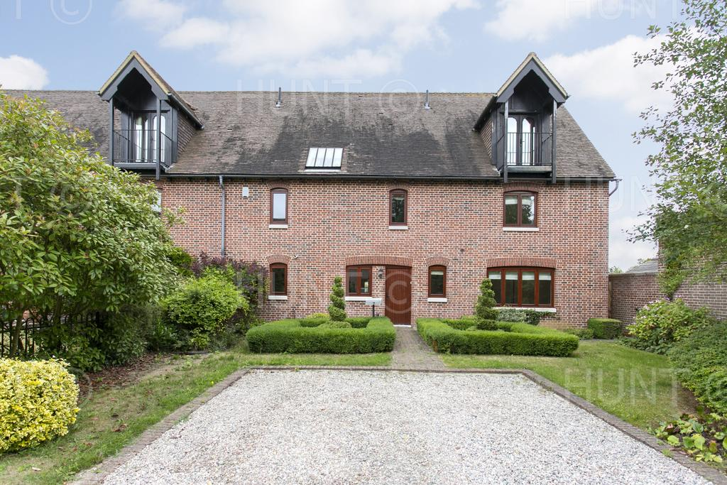 4 Bedrooms Semi Detached House for sale in Dacres Gate, Fyfield, Essex CM5